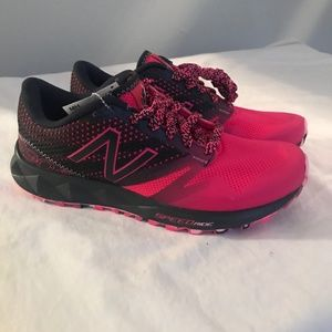 NWT Womens New Balance Running Shoes Size 7.5
